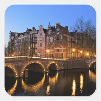 ヨーロッパのオランダ、オランダ、アムステルダム、 正方形シールステッカー