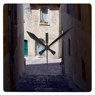 ヨーロッパの柱時計の通り スクエア壁時計