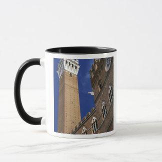 ヨーロッパ、イタリア、タスカニー、シエナ。 Torreのdel マグカップ