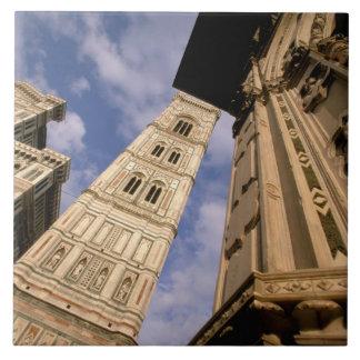 ヨーロッパ、イタリア、タスカニー、フィレンツェ。 広場のdel 3 タイル