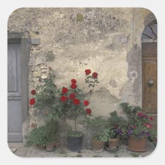 ヨーロッパ、イタリア、タスカニー、Chiantiのトスカナ式の戸口; スクエアシール
