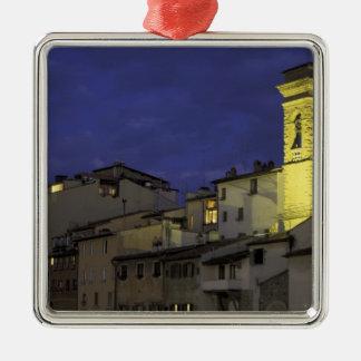 ヨーロッパ、イタリア、フィレンツェの建築詳細; メタルオーナメント