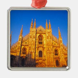 ヨーロッパ、イタリア、ミラノのミラノのカテドラル メタルオーナメント