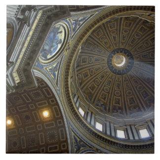 ヨーロッパ、イタリア、ローマ。 セントピーターのバシリカ会堂(別名 タイル