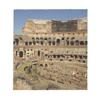 ヨーロッパ、イタリア、ローマ。 Colosseum (別名 ノートパッド