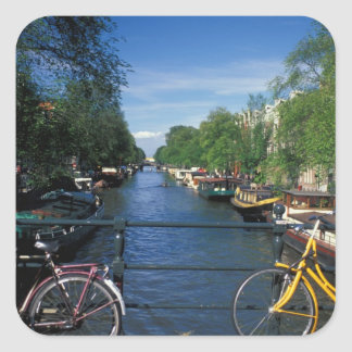 ヨーロッパ、オランダ、アムステルダムの黄色い自転車 正方形シール・ステッカー