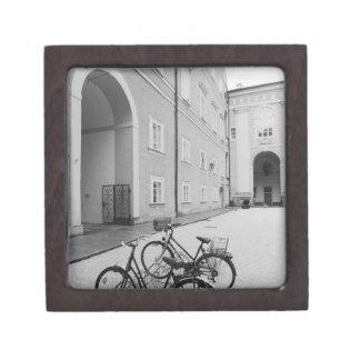 ヨーロッパ、オーストリア、ザルツブルク。 の自転車 ギフトボックス