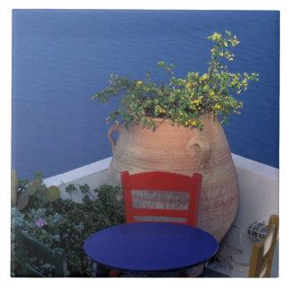 ヨーロッパ、ギリシャ、Santorini。 海の眺めの台地 タイル