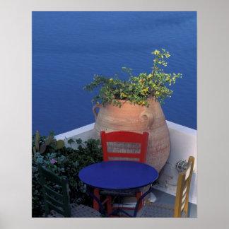 ヨーロッパ、ギリシャ、Santorini。 海の眺めの台地 ポスター