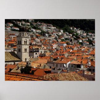 ヨーロッパ、クロアチア。 中世囲まれた都市の ポスター