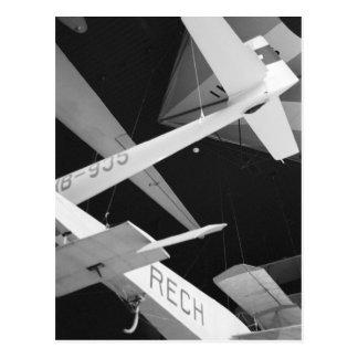 ヨーロッパ、スイス連邦共和国、ルツェルン。 空気のグライダー ポストカード