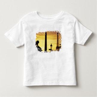 ヨーロッパ、フランス、パリの場所deコンコルド トドラーTシャツ