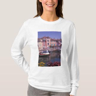 ヨーロッパ、フランス、プロバンス、Martigues。 鏡の Tシャツ