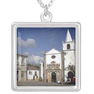 ヨーロッパ、ポルトガル、Obidos。 サンタマリア教会 シルバープレートネックレス