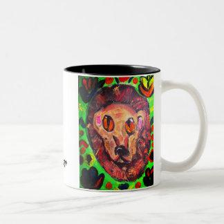 ライオンのポートレートの芸術 ツートーンマグカップ