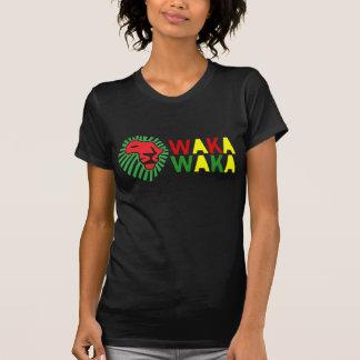 ライオンの緑の鬣のWaka赤いWakaのワイシャツ Tシャツ