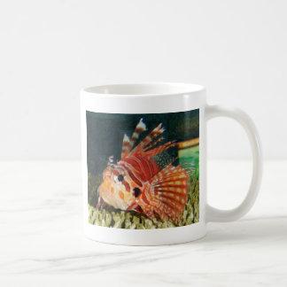 ライオンの魚の鉛筆 コーヒーマグカップ