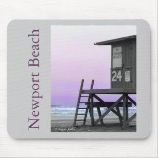 ライフガードタワーのニューポートビーチのマウスパッド マウスパッド