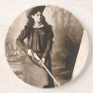 ライフルを握っている失敗アニーOakleyのヴィンテージの写真 コースター