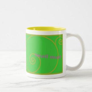 ライムのカタツムリ郵便 ツートーンマグカップ