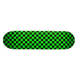 ライムグリーンおよび黒のチェック模様のスケートボード 21.6CM スケートボードデッキ