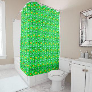 ライムグリーンのおもしろいのオレンジおよび青のハートパターン シャワーカーテン