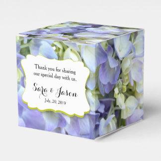 ライムグリーンのアクセントの紫色のアジサイ フェイバーボックス