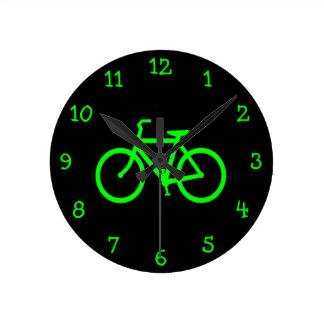 ライムグリーンのバイク ラウンド壁時計