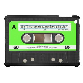 ライムグリーンの名前入りなレトロのカセットテープ iPad MINIカバー