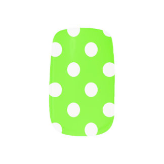 ライムグリーンの水玉模様 ネイルデコレーション