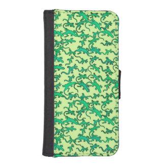 ライムグリーンの背景の緑トカゲ iPhoneSE/5/5sウォレットケース