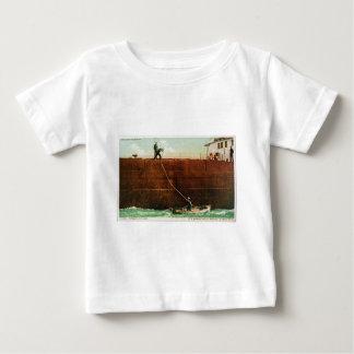 ラインを投げること ベビーTシャツ