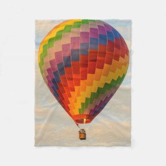 ラオス、Vang Vieng。 熱気の気球 フリースブランケット