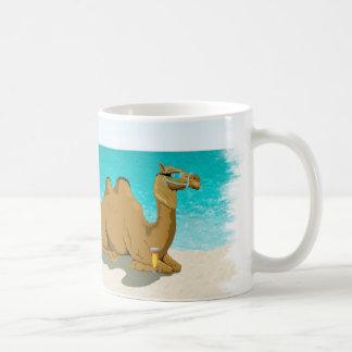 ラクダのこぶ日の主任の日のコーヒー・マグ コーヒーマグカップ
