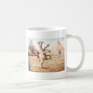 ラクダのダンス コーヒーマグカップ