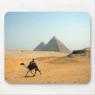 ラクダのピラミッド マウスパッド