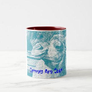 ラクダは涼しいです ツートーンマグカップ