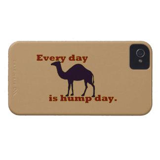 """ラクダは""""毎日ですこぶ日"""" Case-Mate iPhone 4 ケース"""