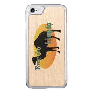 ラクダ-こぶ日は毎日あります CARVED iPhone 8/7 ケース