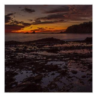 ラグナのビーチの潮プール、カリフォルニア日没ポスター ポスター