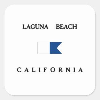 ラグナのビーチカリフォルニアアルファ飛び込みの旗 スクエアシール