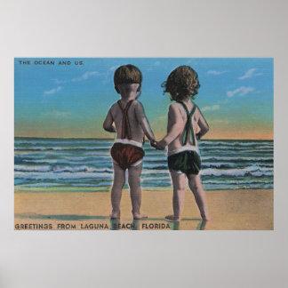 ラグナのビーチ、FL -子供との場面からの挨拶 ポスター