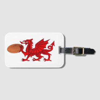 ラグビーのボールの荷物のラベルが付いているウェールズのドラゴン ラゲッジタグ