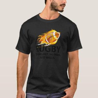 ラグビー。 ヘルメット無し。 パッド無し。 ちょうど球 Tシャツ