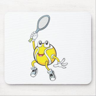 ラケットを握るクールなテニス・ボール マウスパッド