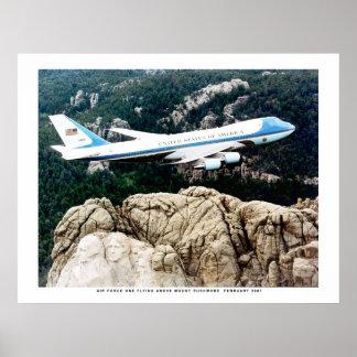 ラシュモア山に飛ぶエアフォースワン ポスター