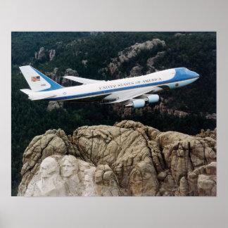 ラシュモア山ポスターに飛ぶエアフォースワン ポスター