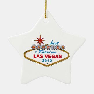 ラスベガスすばらしい2012年のベガスの印のたった今結婚しました セラミックオーナメント