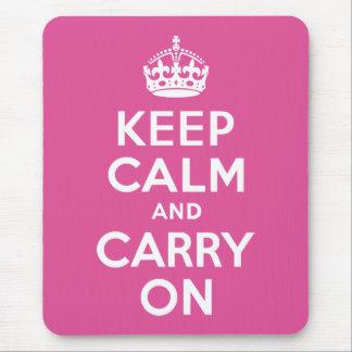 ラズベリーのピンクのKeep Calm and Carry On マウスパッド