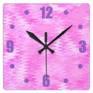 ラズベリーの波紋のピンクの抽象芸術パターン スクエア壁時計